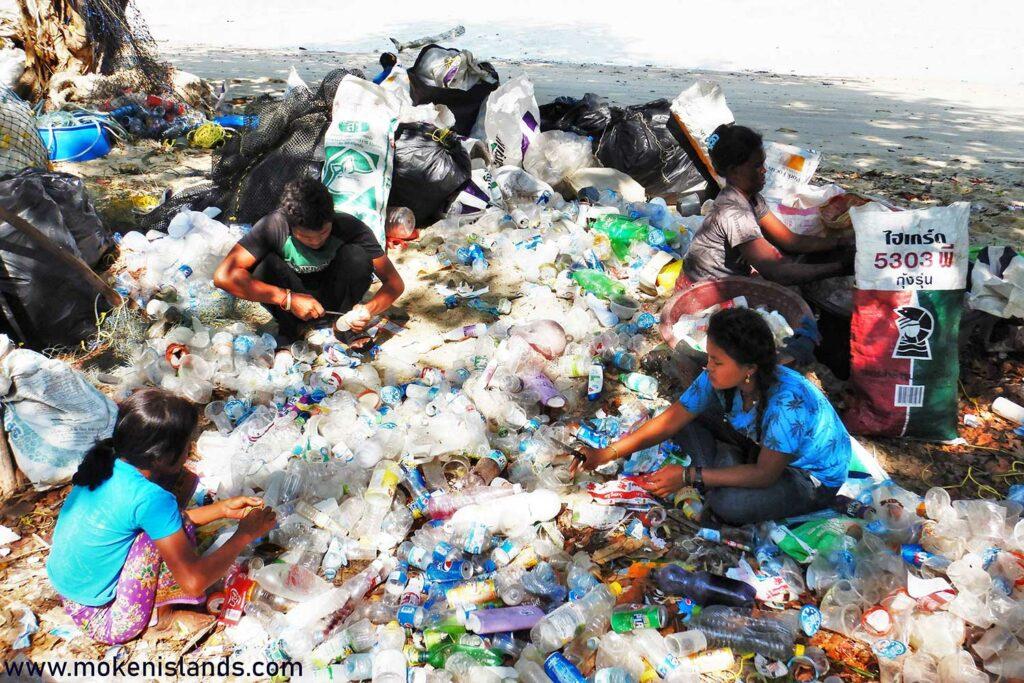 Recycling oecan trash